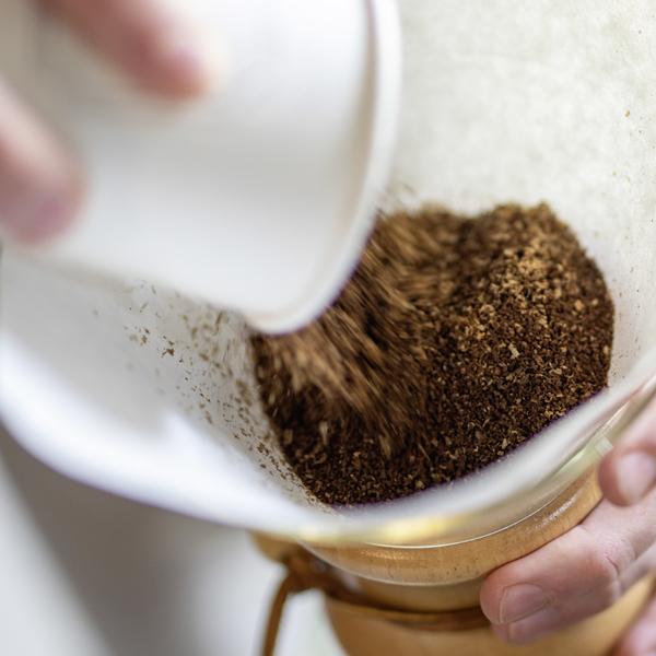 Ihre Kaffeemanufaktur seit 1930 - Alles für Kaffeeliebhaber im Shop. Feine Kaffeekompositionen in Spezialitätenqualität sind unsere Kernkompetenz.